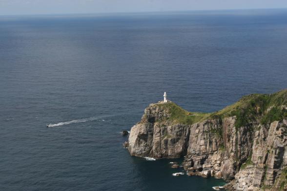大瀬崎断崖〈灯台〉2