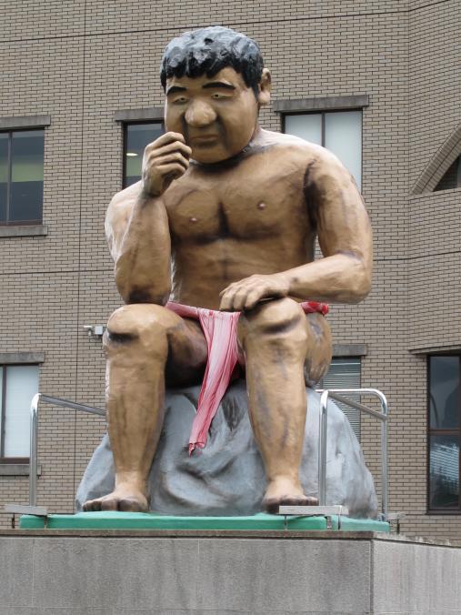 みそ五郎像(市役所前)