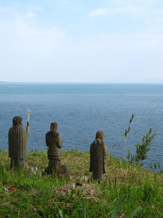 原城跡 三体の石像2