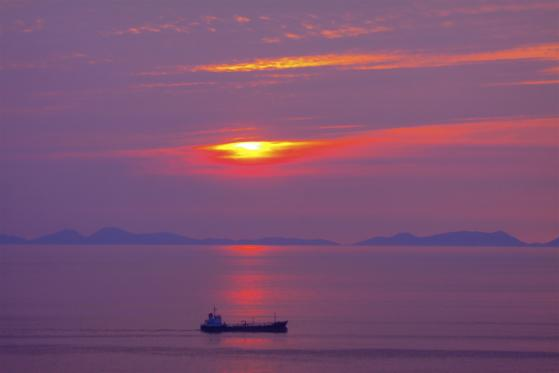 大島町からの夕日2