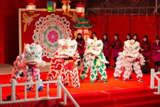 ランタン中国獅子舞1