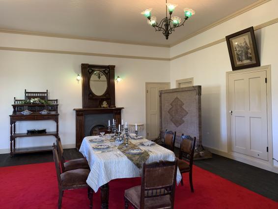 グラバー園 旧グラバー住宅とチューリップ