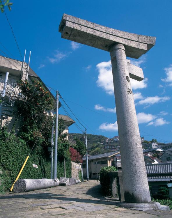 山王神社 二の鳥居(一本柱鳥居)