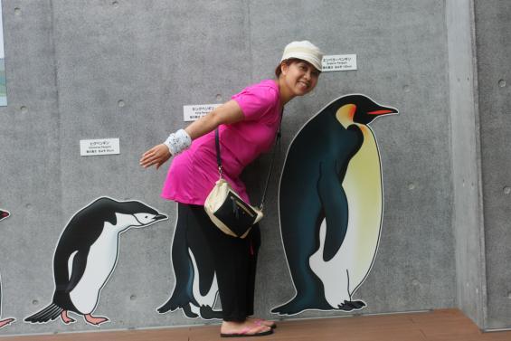 ママはエンペラーペンギン©SASEBO