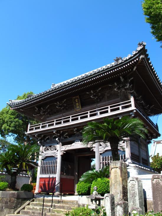 慶厳寺の山門