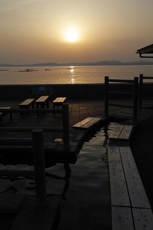 小浜温泉足湯 ほっとふっと105からの夕陽1
