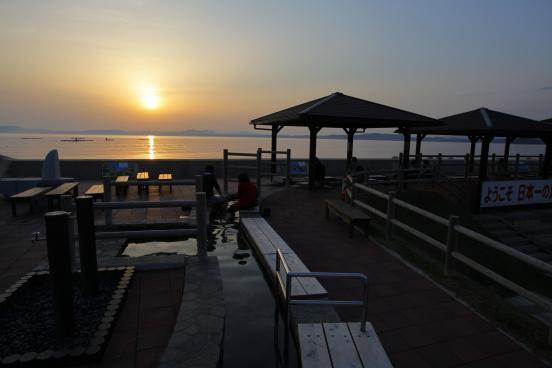 小浜温泉足湯 ほっとふっと105からの夕陽3
