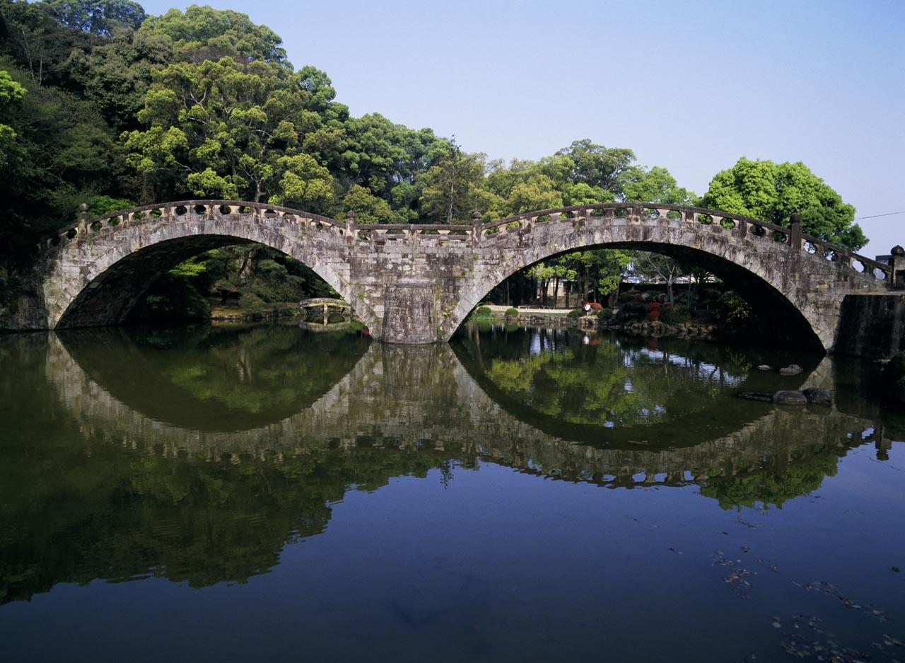 こちらは諫早市にある眼鏡橋-0