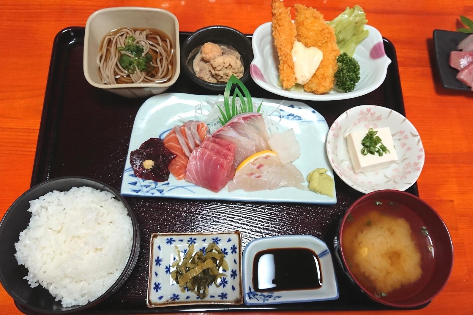 刺身おかわり「無制限」の竹定食-0