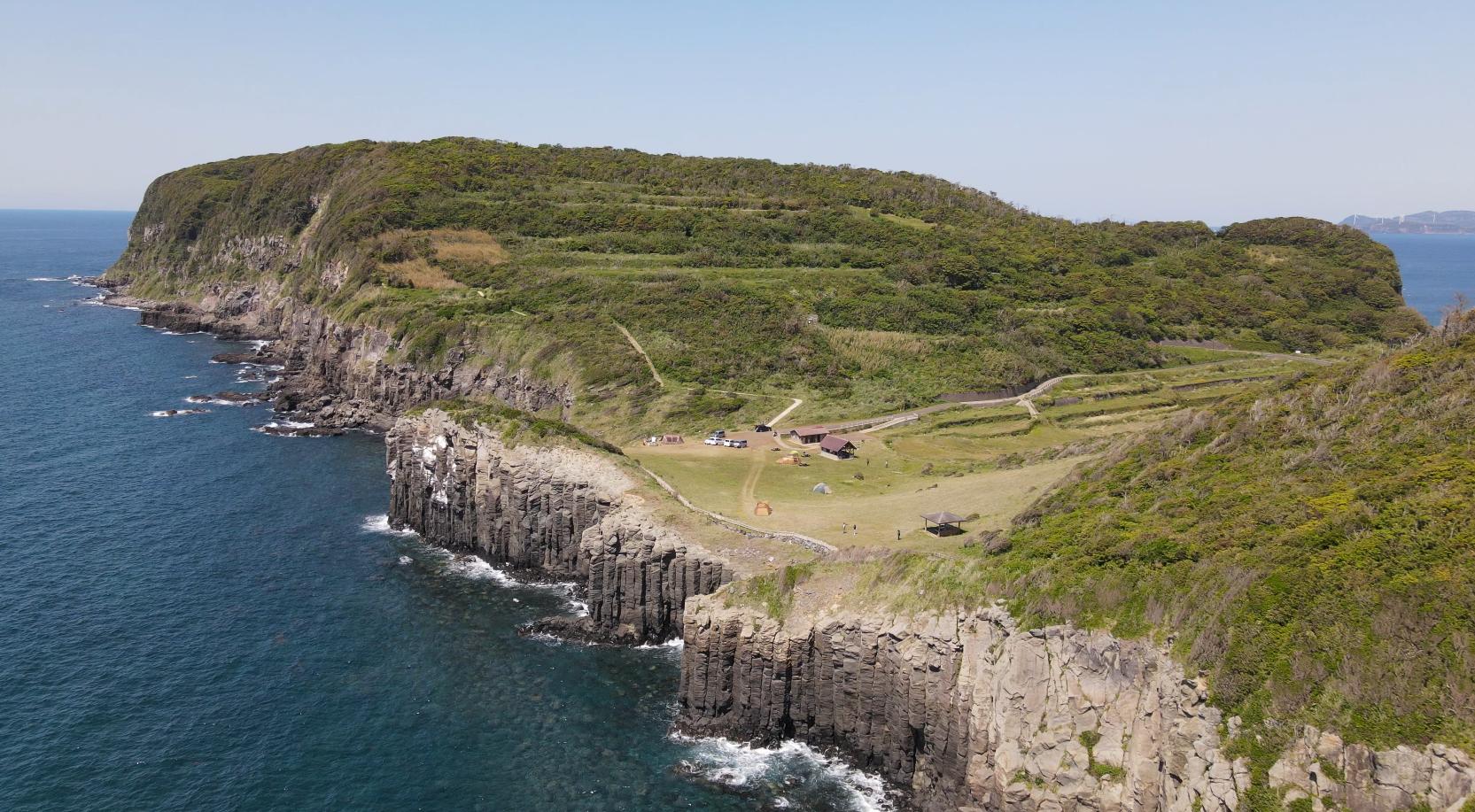 塩俵の断崖を手が届きそうな場所で見ることができるおすすめスポット-0