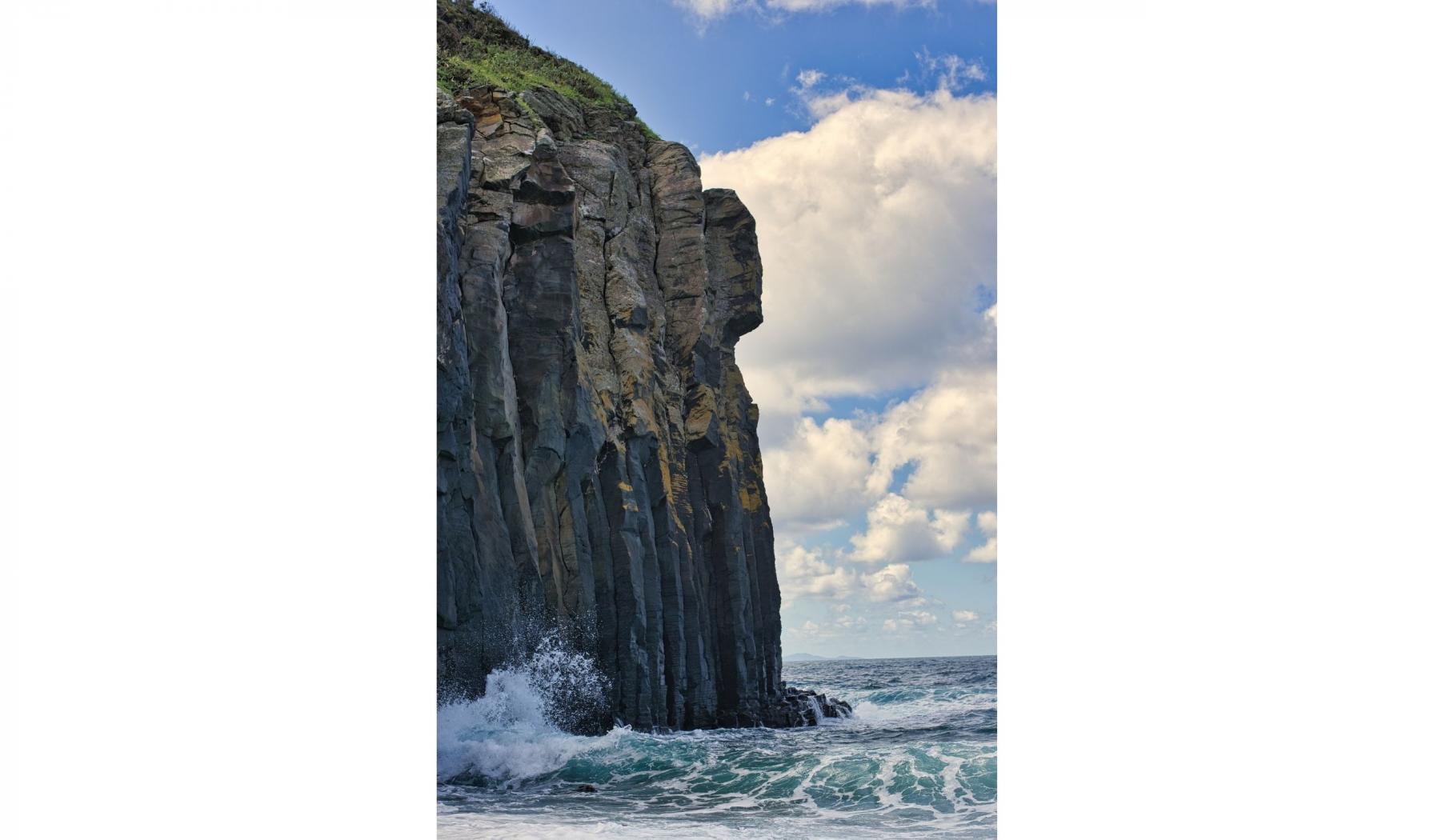 塩俵の断崖を手が届きそうな場所で見ることができるおすすめスポット-5