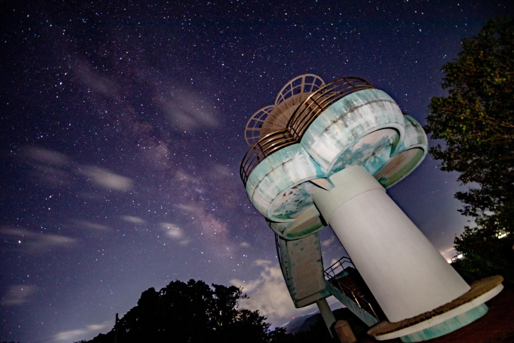 夕陽や星空の観測にはもってこい!「初崎展望公園」-0