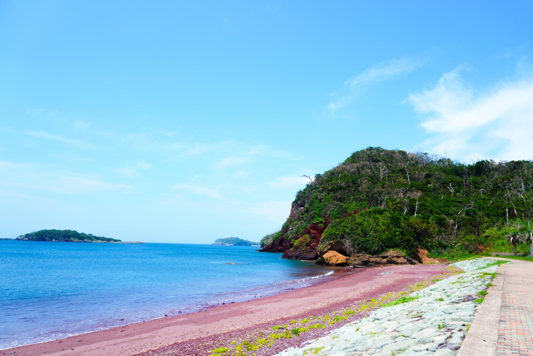 赤い砂浜の「赤浜海岸」-0