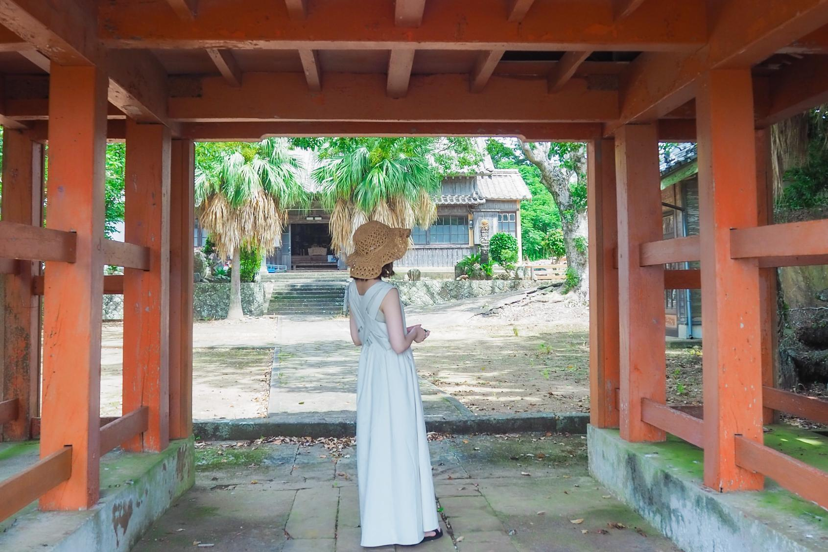 歴史&カメラ女子必見☆鮮やかな朱門が目印の「東光寺」☆-1
