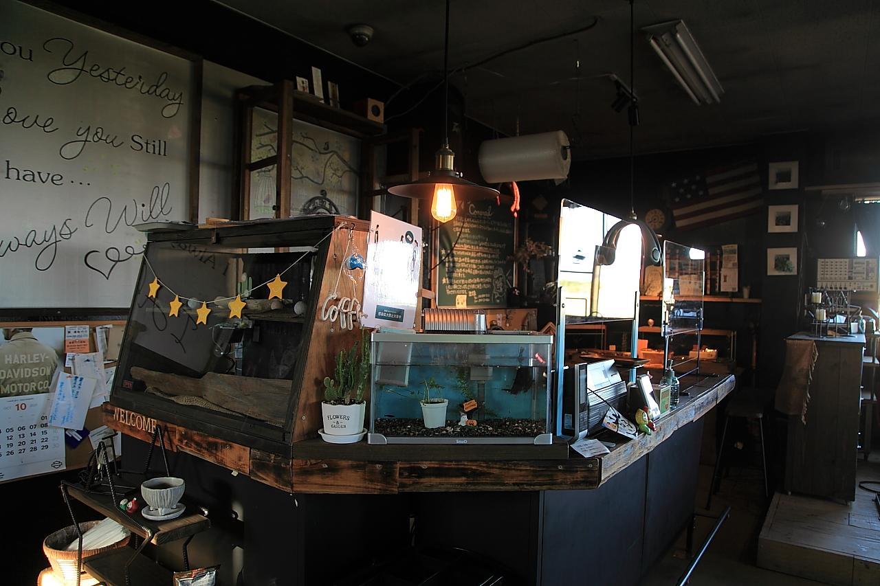 アイアン家具のオーダーも出来ちゃうカフェ「コントレイル」-6