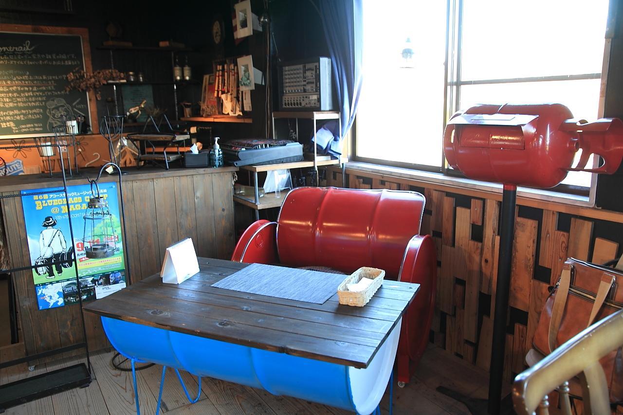 アイアン家具のオーダーも出来ちゃうカフェ「コントレイル」-4