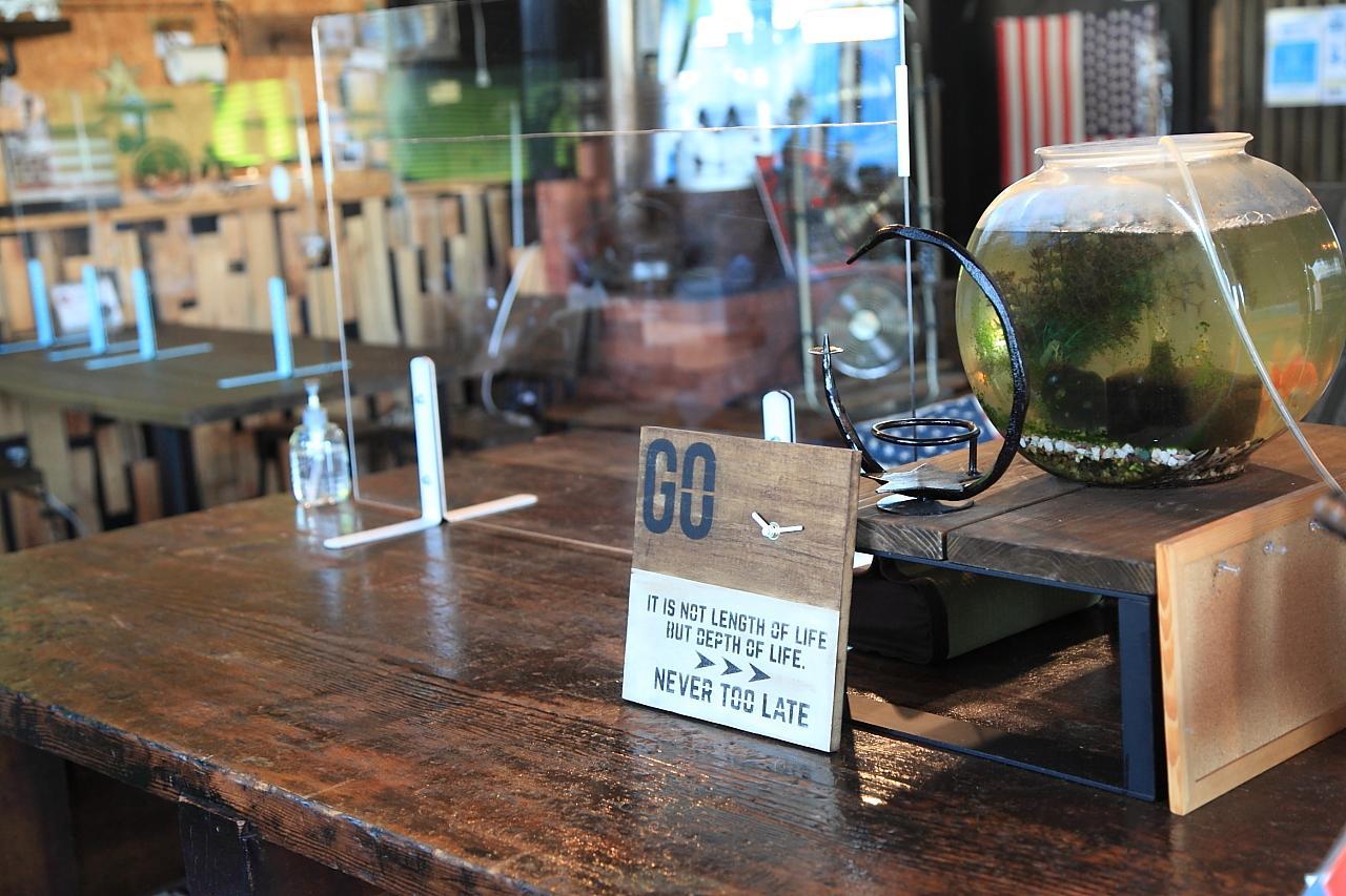 アイアン家具のオーダーも出来ちゃうカフェ「コントレイル」-5