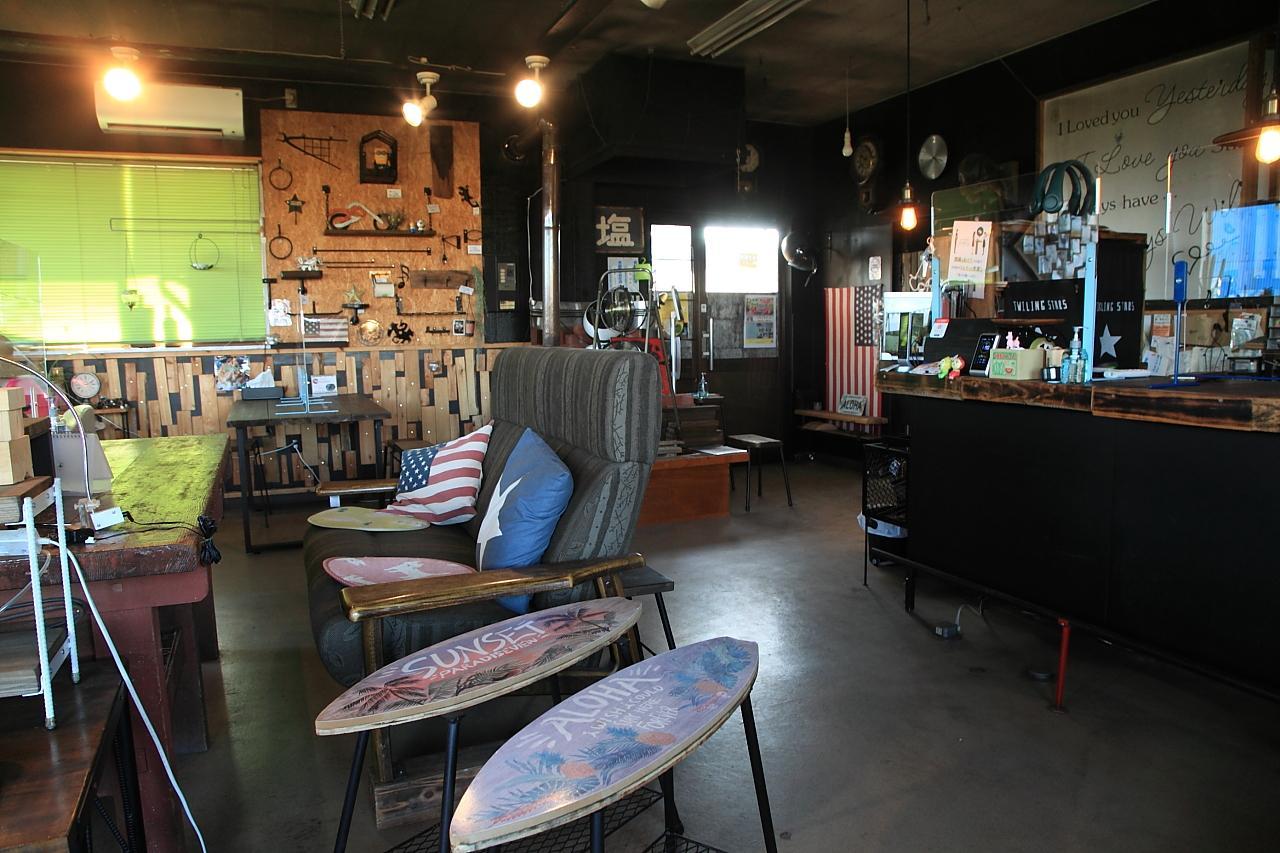 アイアン家具のオーダーも出来ちゃうカフェ「コントレイル」-3