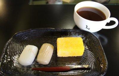 平戸銘菓「カスドース」と「ごぼう餅」-0