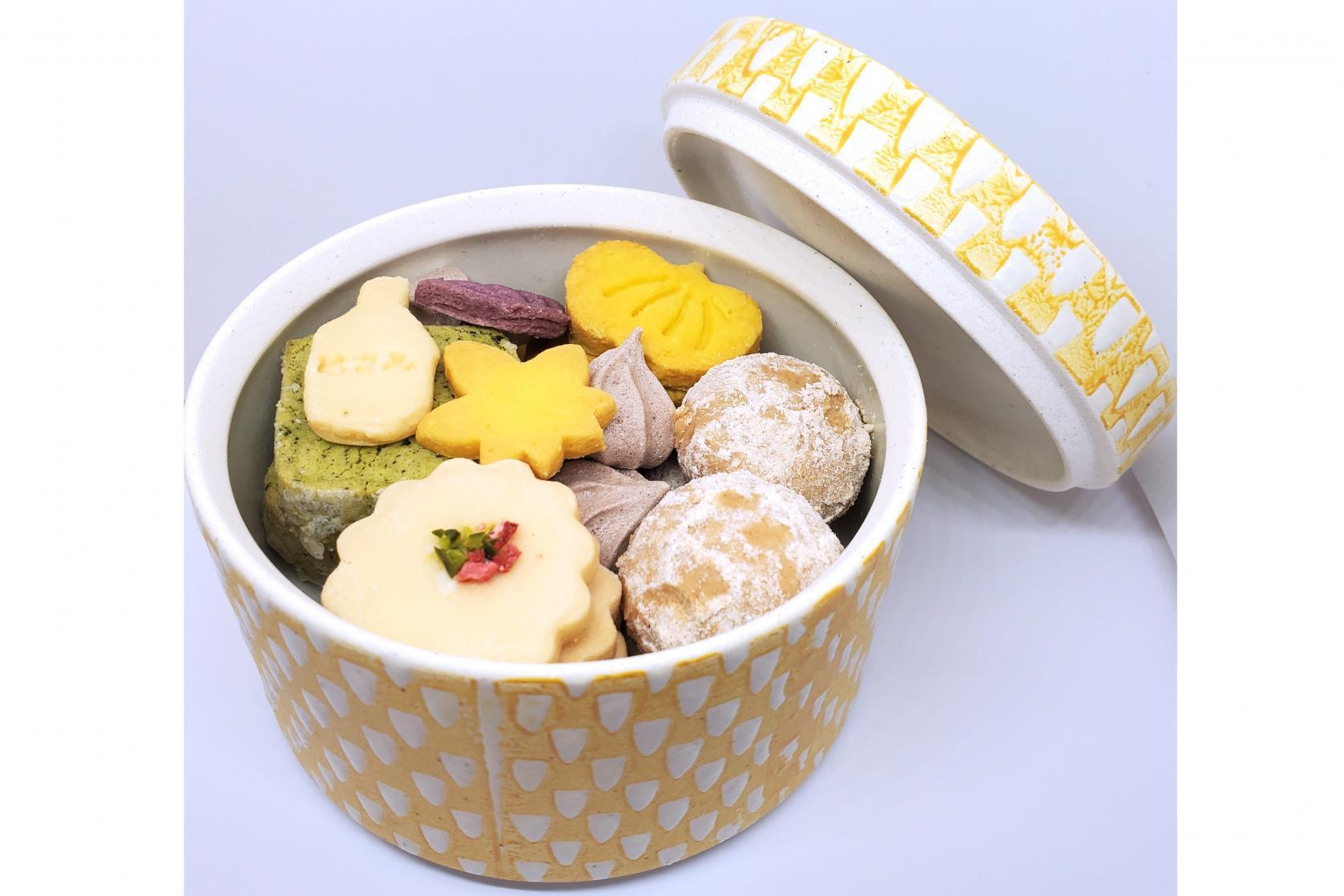 波佐見陶箱クッキー-1
