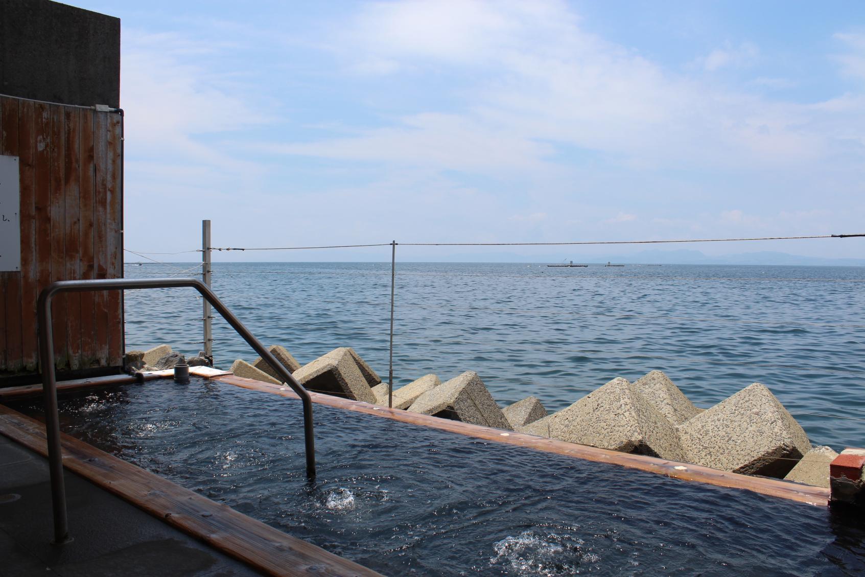 小浜温泉➀ 絶景!海上露天風呂&バラ盛りジェラート-1