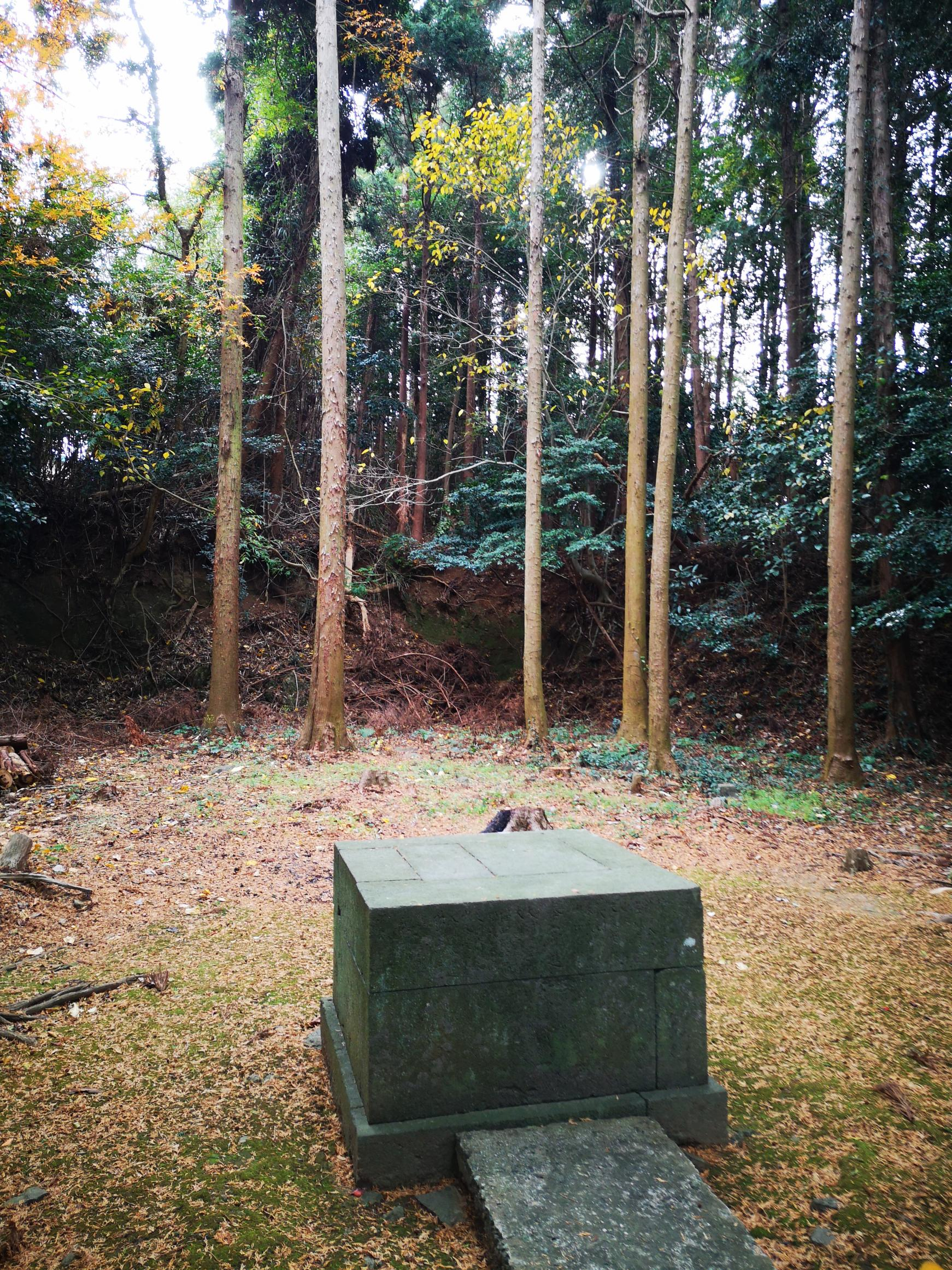 Remains of Amanotanagahime Shrine with the Legend of the Milky Way-1