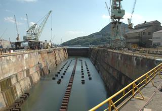 旧海軍の艦船がここに入った ―旧佐世保海軍工廠第一船渠―-1