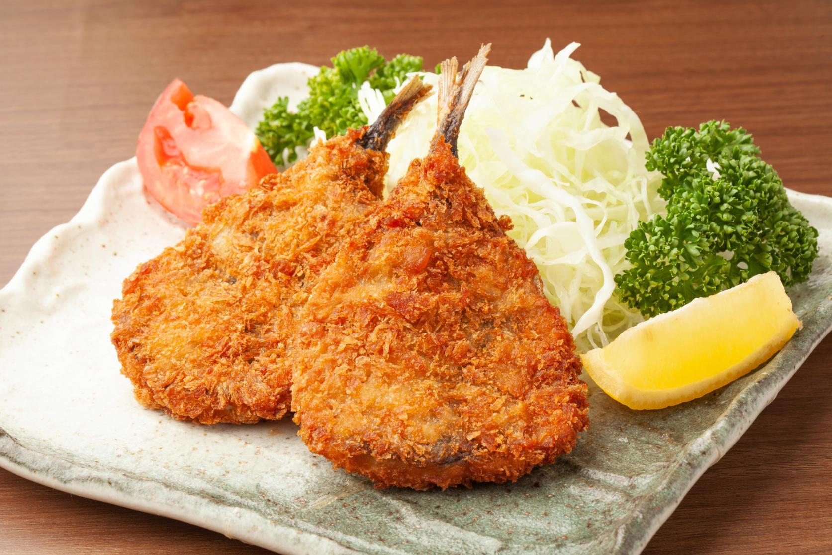 【第2天】在附近餐饮店享用午餐-1