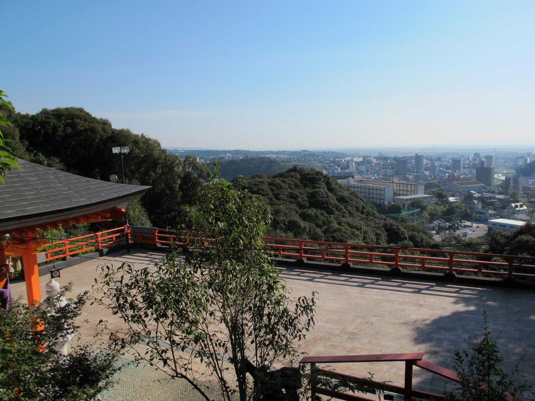 御館山(みたちやま)稲荷神社-1