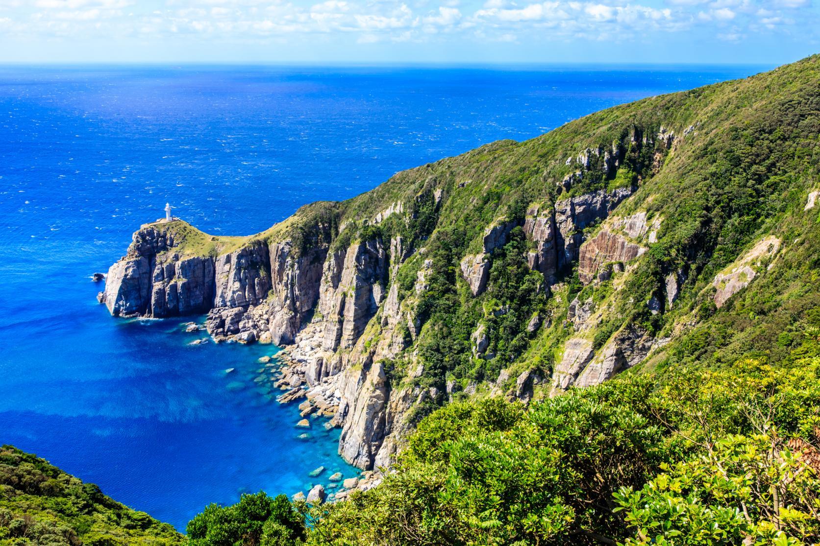 周囲を海に囲まれ、風光明媚な景色が魅力。島の数は日本一!-3
