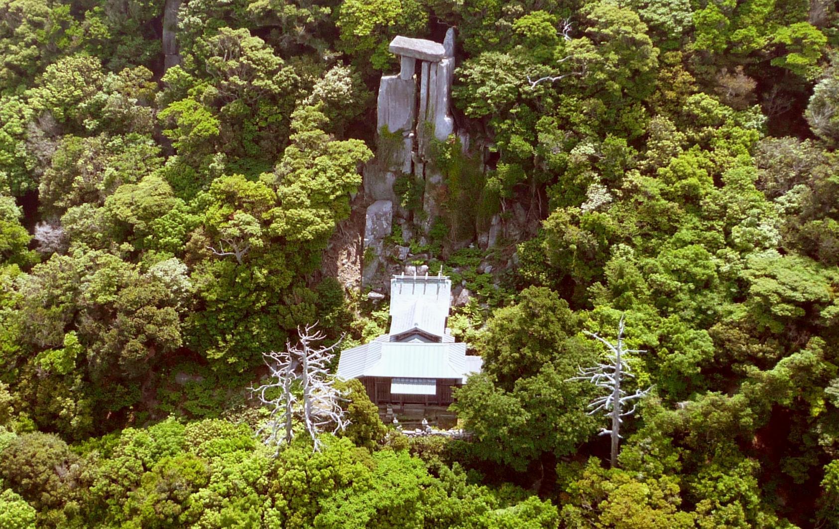 手つかずの自然が残る世界文化遺産の島 野崎島へ-4