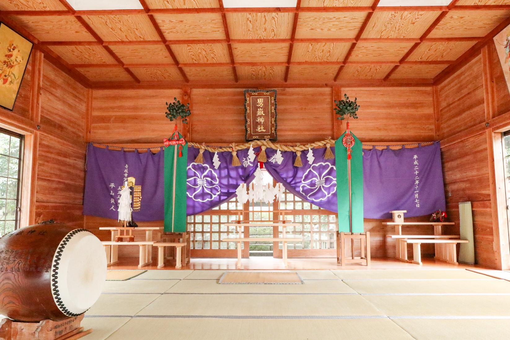 Ondake Shrine Where Many Stone Monkeys Welcome Worshippers-2