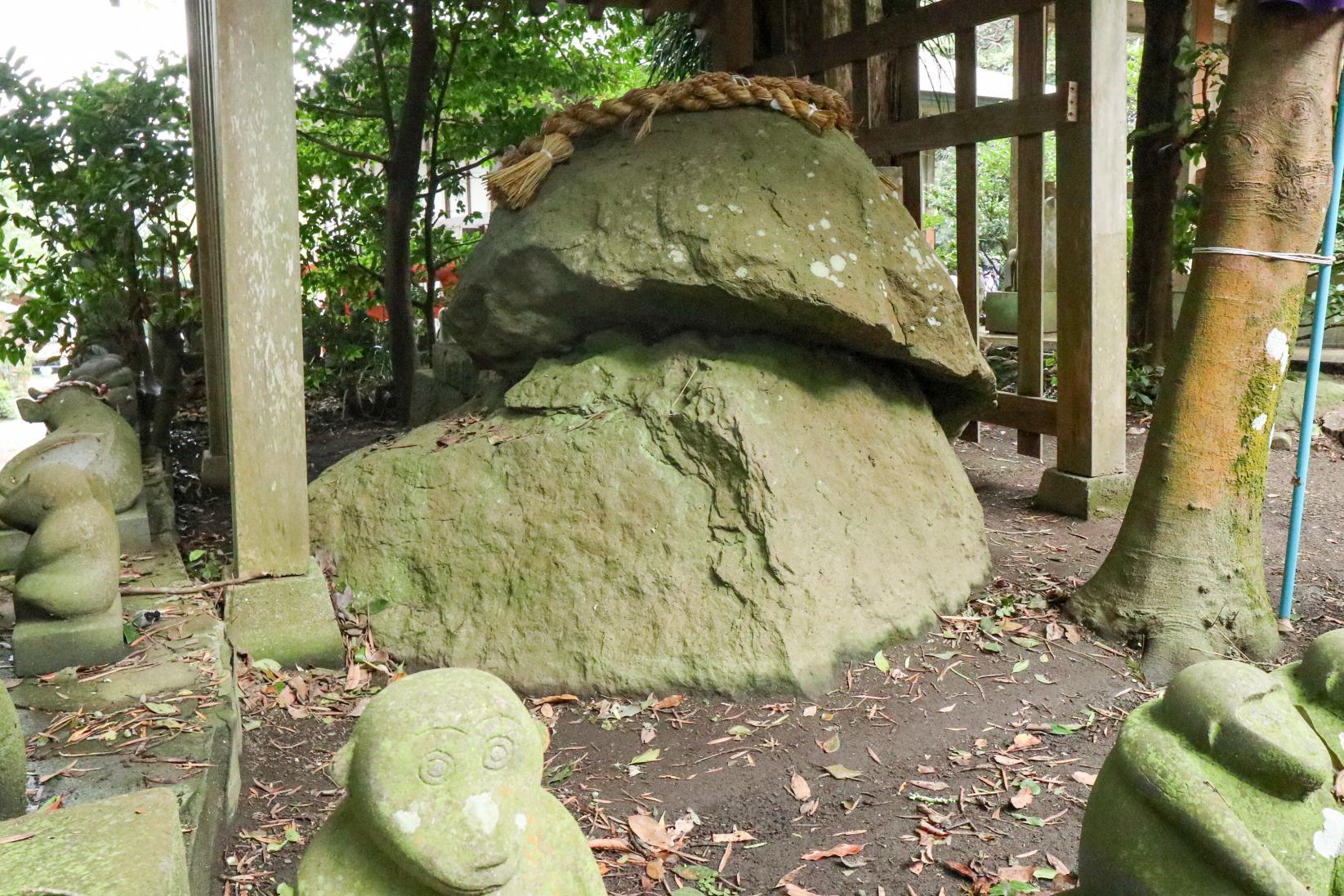 Ondake Shrine Where Many Stone Monkeys Welcome Worshippers-3