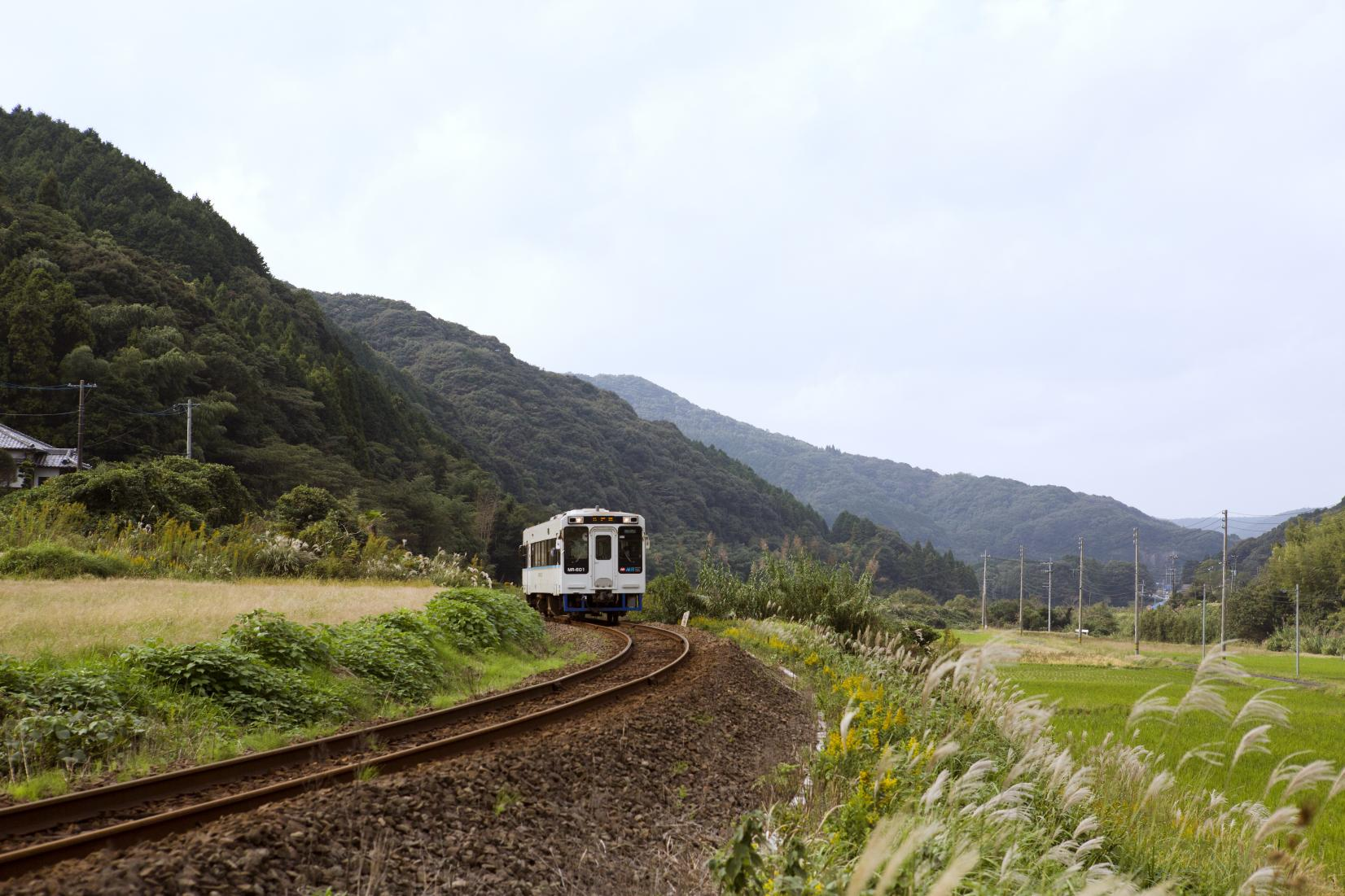 Matsuura Railway: Feel and Take in the Unadorned Landscapes-0