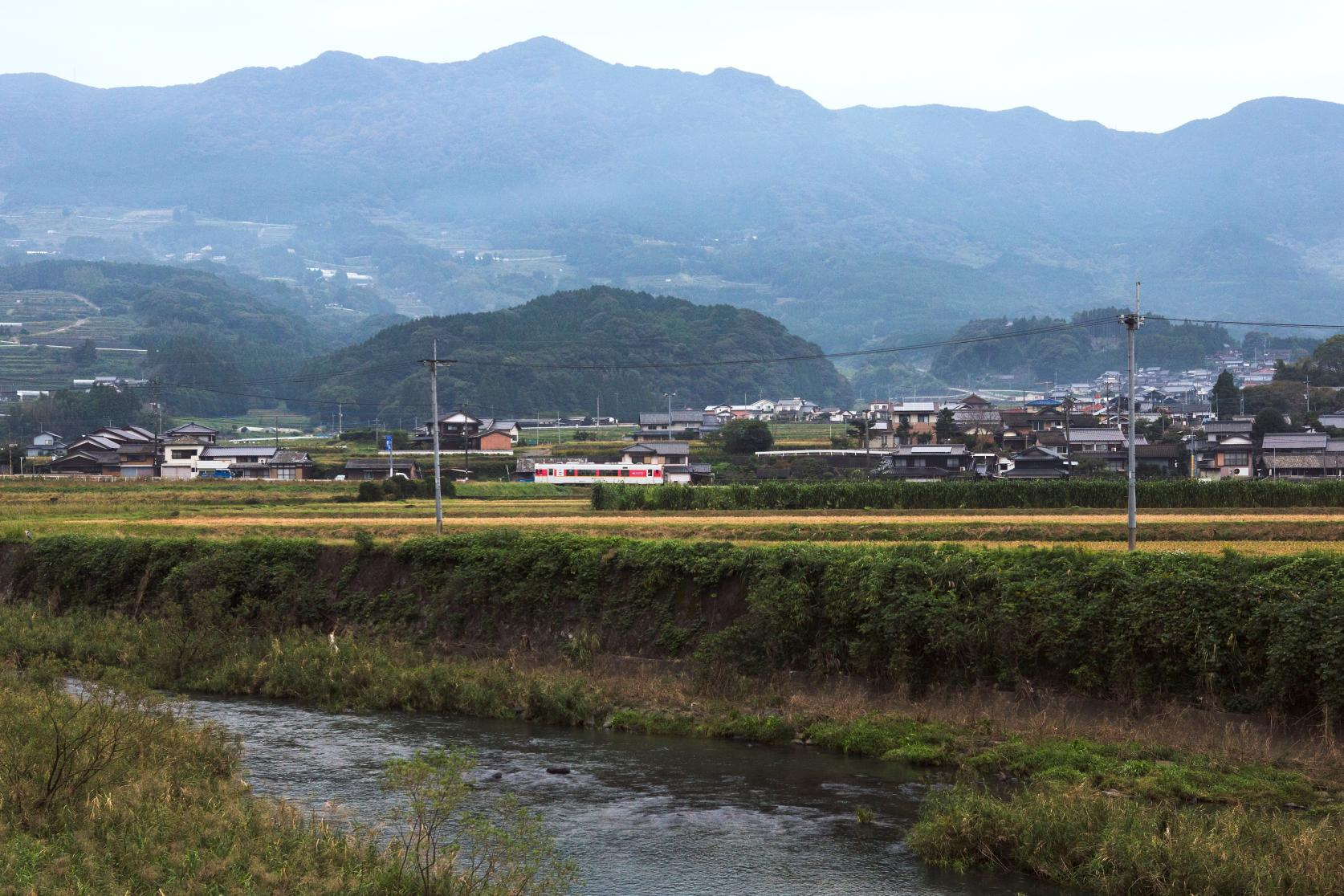 Matsuura Railway: Feel and Take in the Unadorned Landscapes-1
