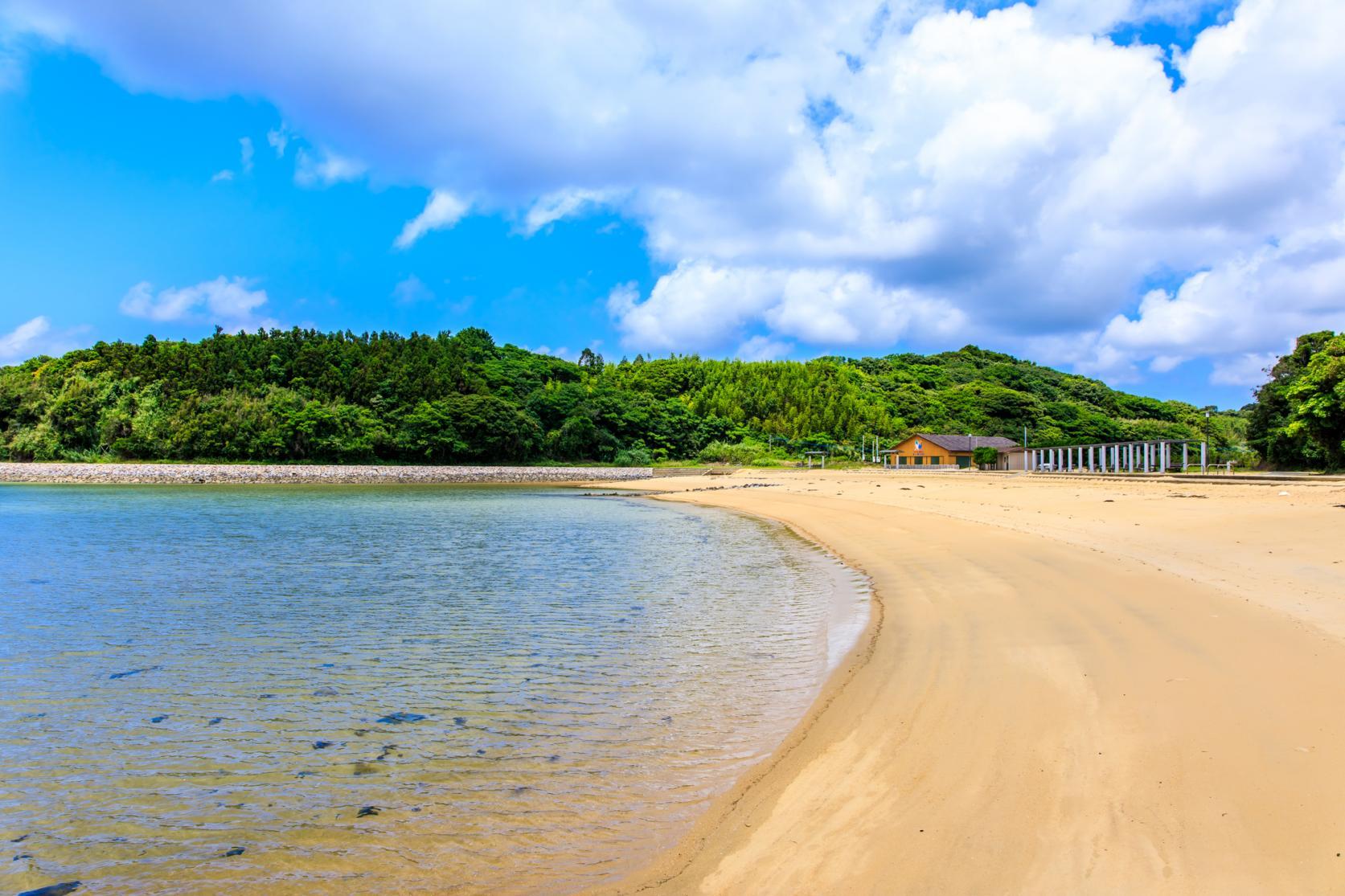 まるで玄界灘の宝石箱!広大な絶景ビーチでゆったり海水浴を-7