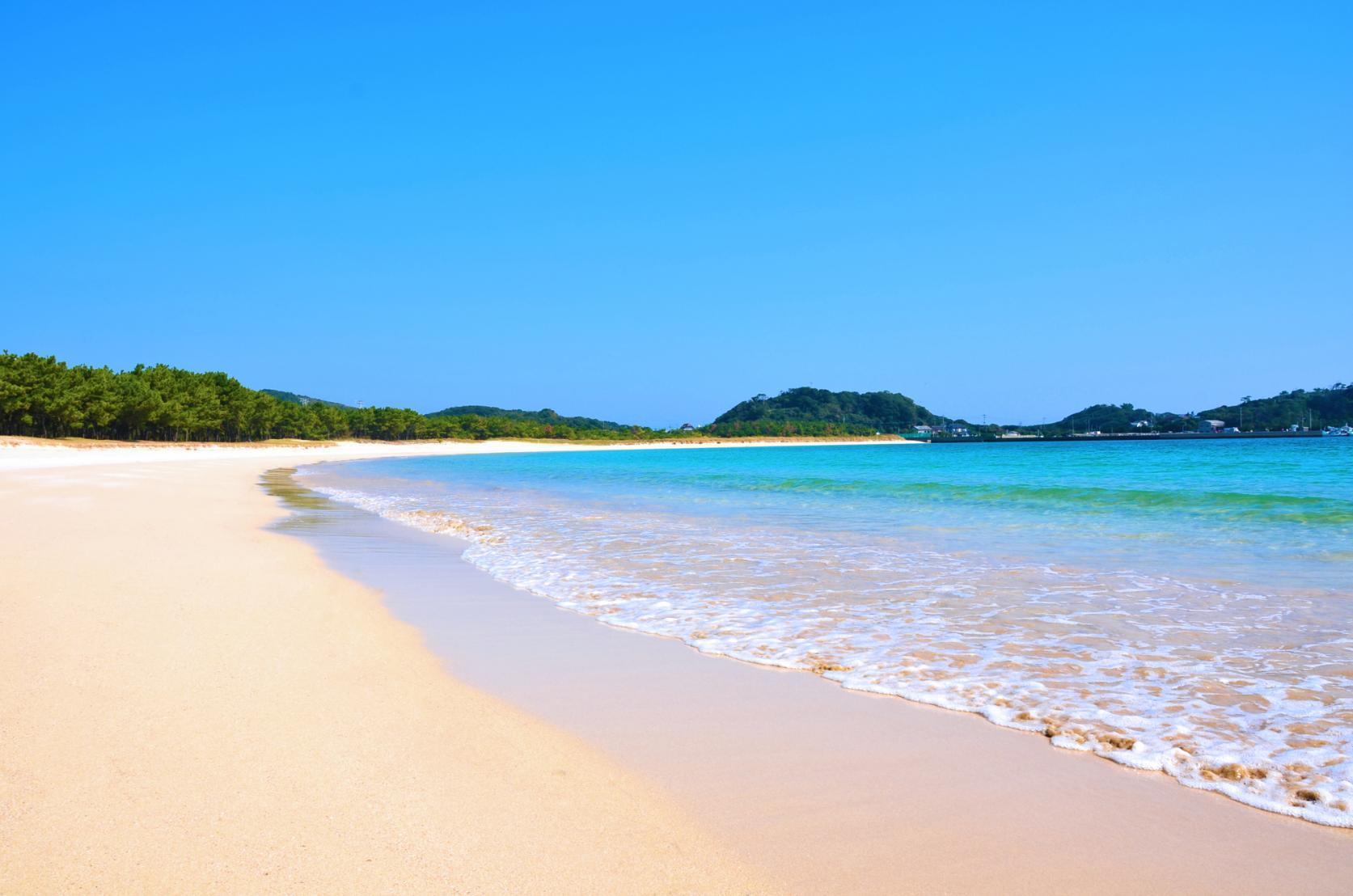 まるで玄界灘の宝石箱!広大な絶景ビーチでゆったり海水浴を-8