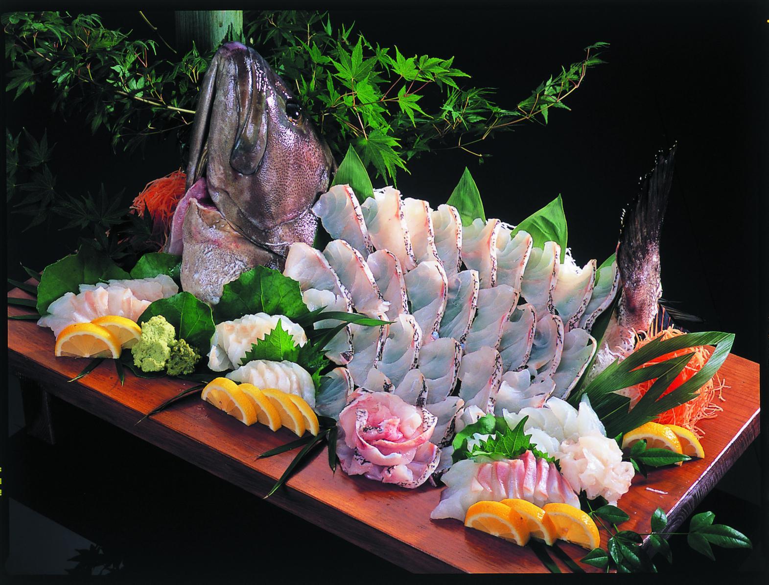 わざわざ食べに行きたい!旬の魚介を産地で味わおう-3