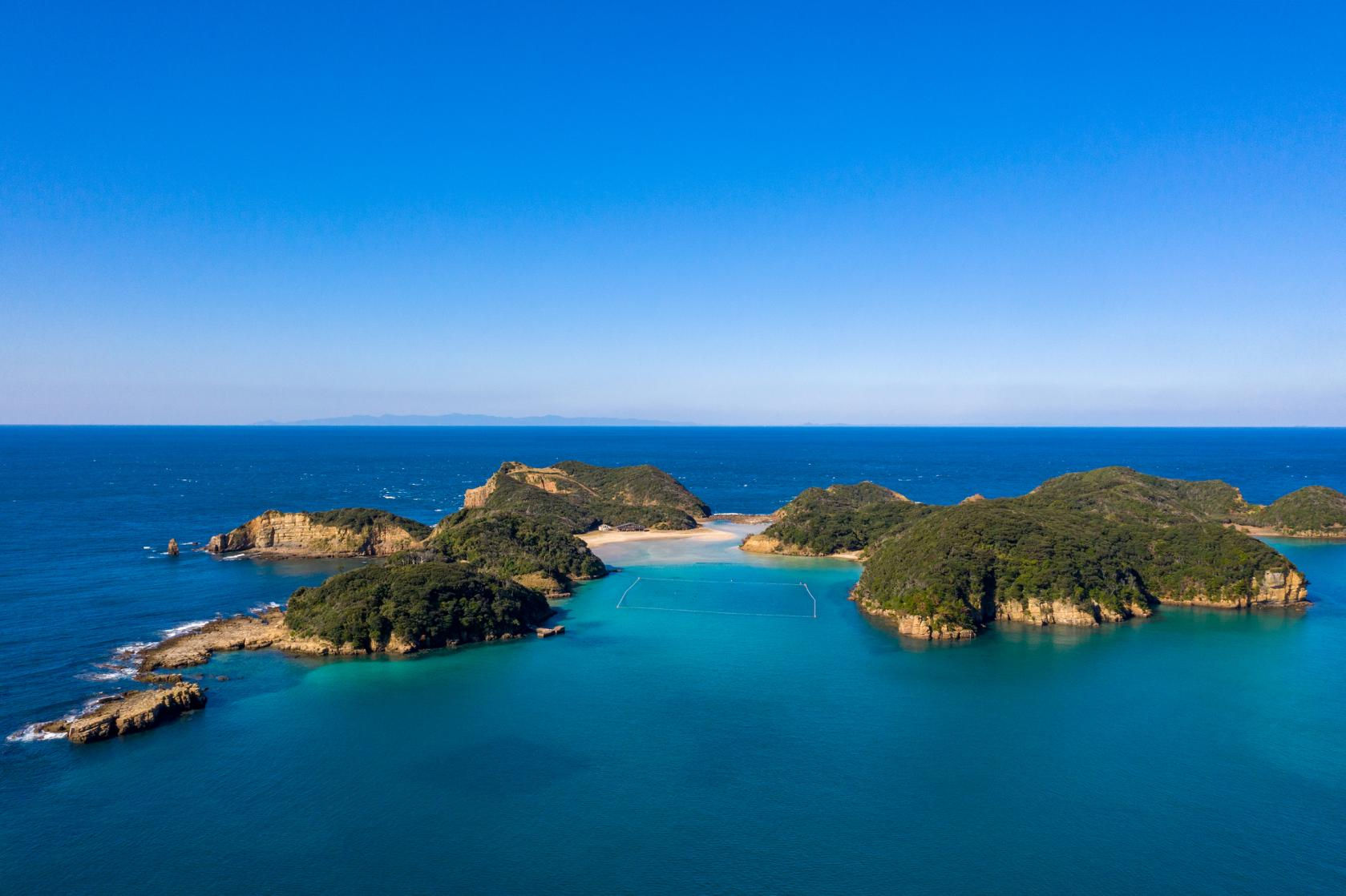 Visit an Emerald Green Sea! Enjoy Sightseeing on Tatsunoshima and Exploring This Uninhabited Island!-1