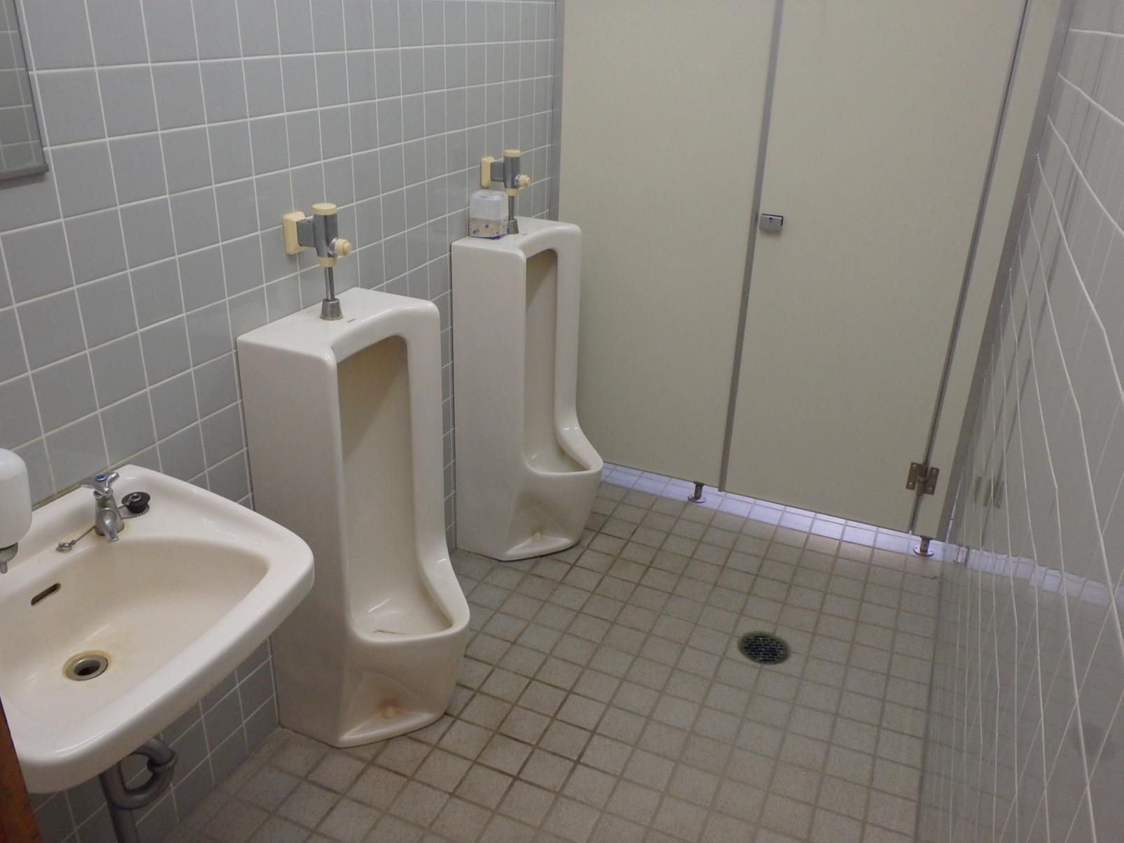 トイレ内部①-2