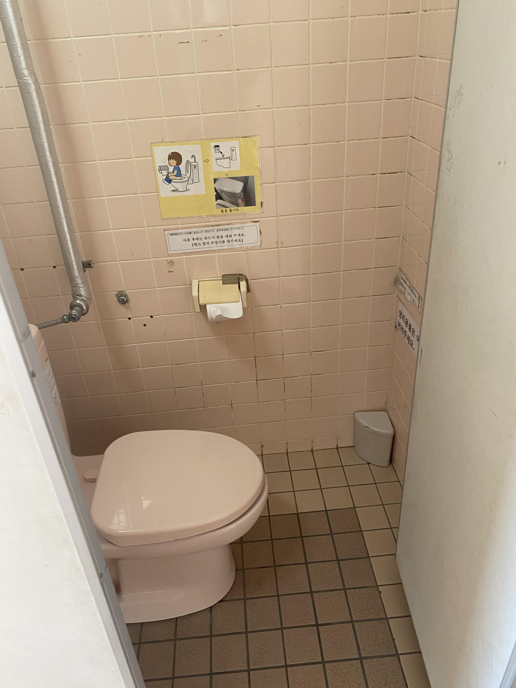 一般トイレ個室-3