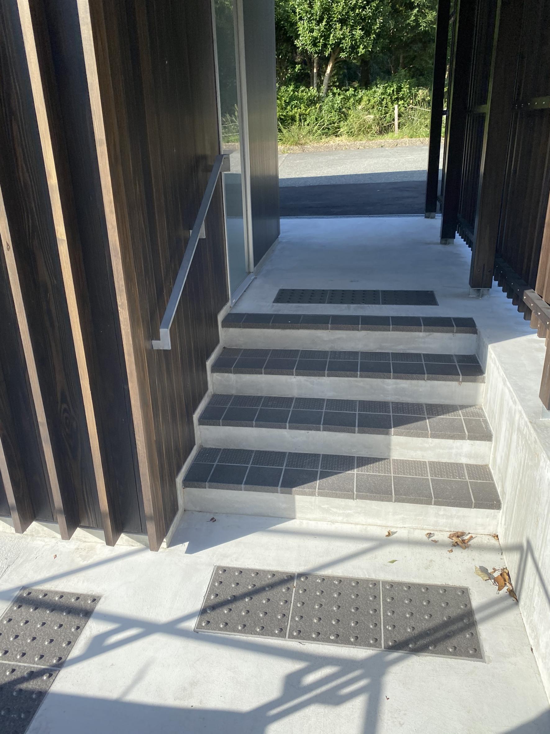 階段と手すり-2