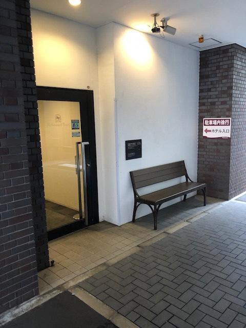 駐車場からの専用入口-2