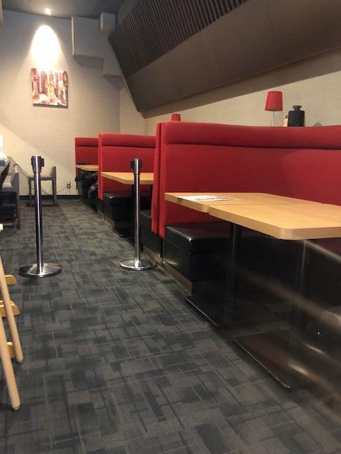レストランテーブル席②-1