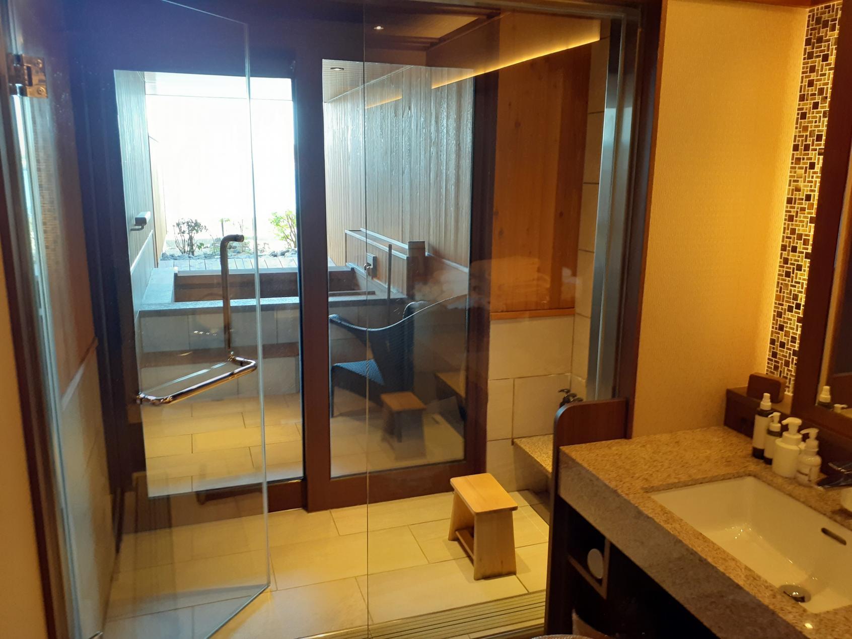 浴室入口-1