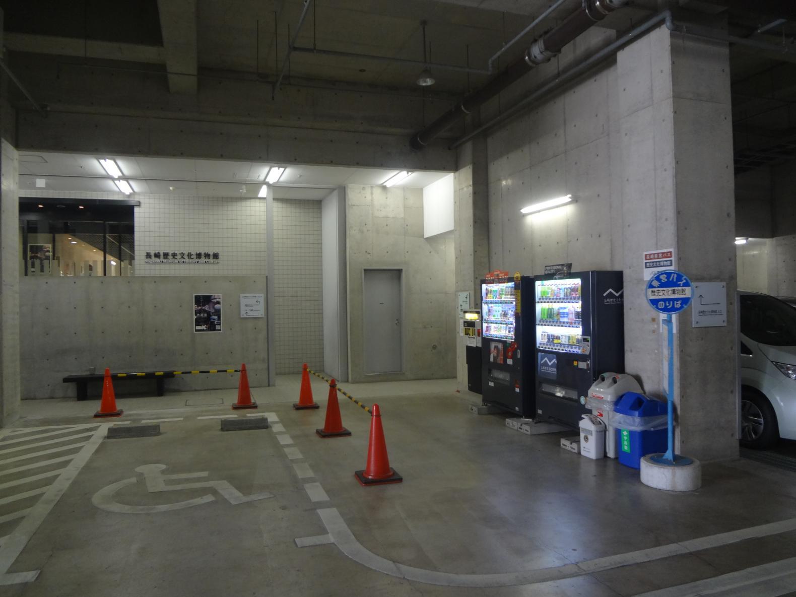 バリアフリー駐車場-1