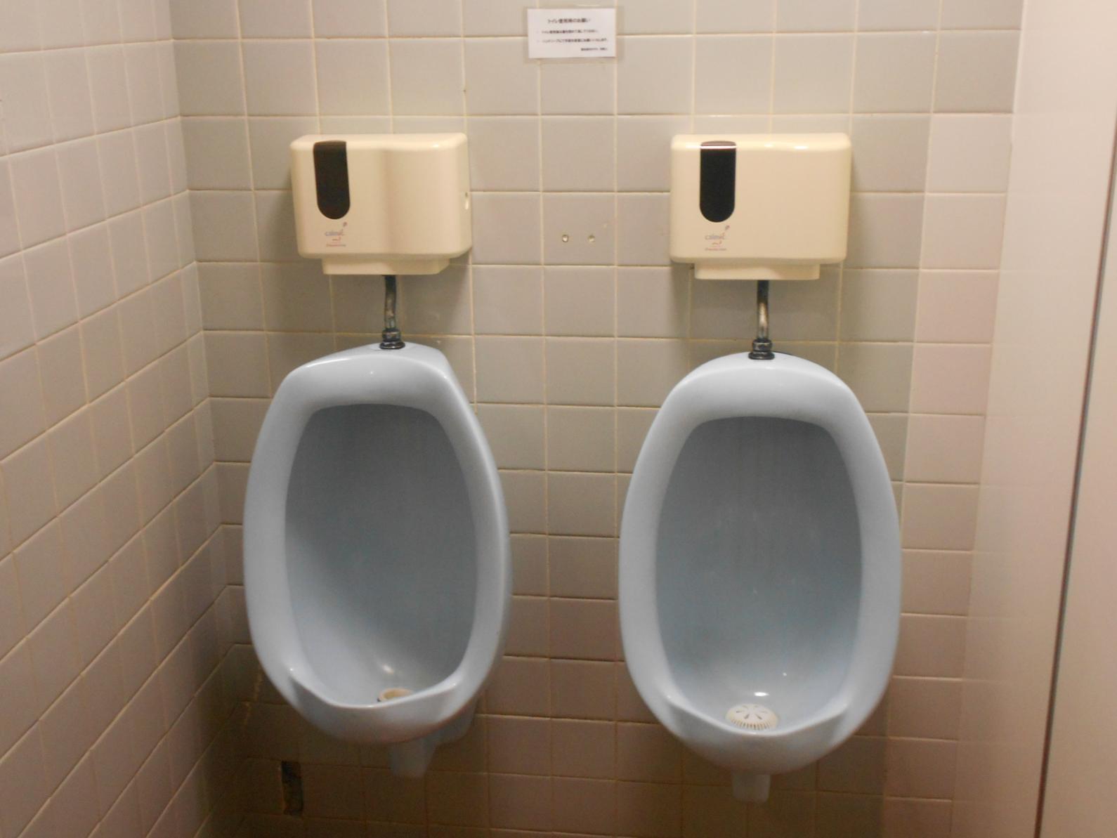 ロビーのトイレ-4