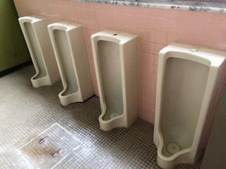 男性用トイレ小便器-1
