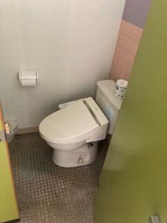 個室トイレ-2