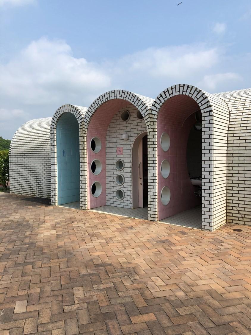 公園内トイレ-0